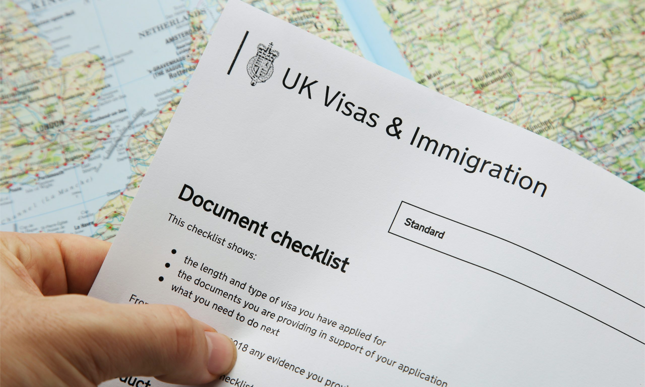 ما هي المستندات الداعمة لطلب رخصة كفيل